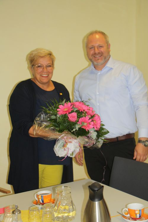 Blumen für die Bürgermeisterin 003_KLEIN